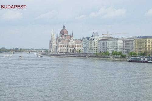 bl - Parlamento -vista Danubio
