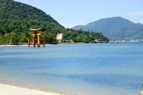 fh- Santuario di Itsukushima, isola di Miyajima (Hiroshima)