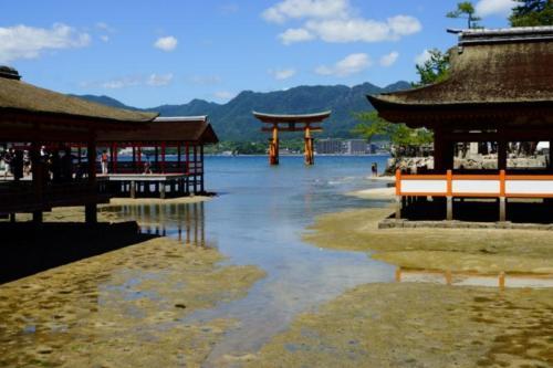 fi- Santuario di Itsukushima, isola di Miyajima (Hiroshima)