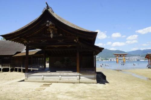 fj- Santuario di Itsukushima, isola di Miyajima (Hiroshima)