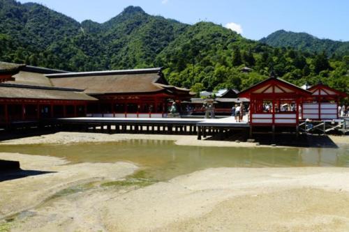 fk- Santuario di Itsukushima, isola di Miyajima (Hiroshima)