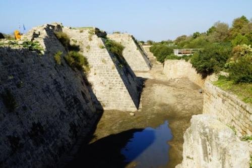 eg- Mura della Cittadella di Acri