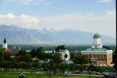 ay- Salt Lake City  (Utah)