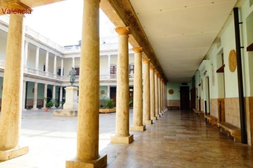 ax- Università di Valencia
