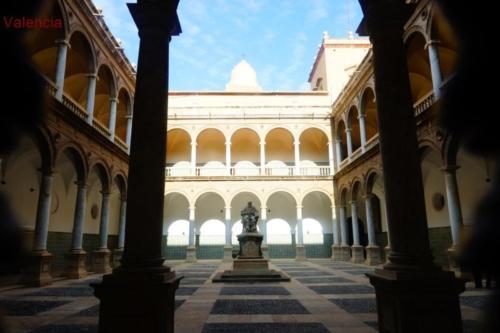 ay- Università di Valencia